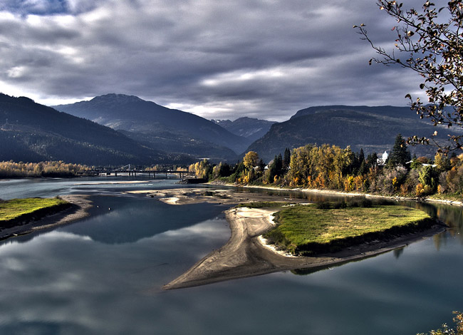 HDR photo of the bridge on Lake Revelstoke