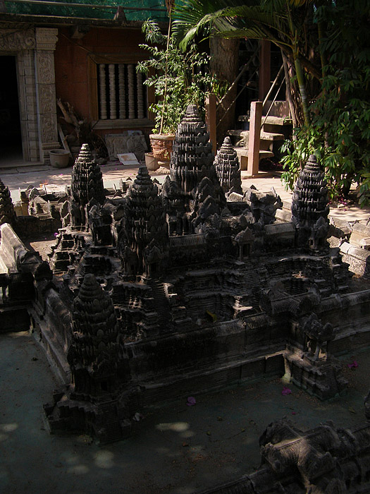Three-quarter view of Angkor Wat miniature sculpture