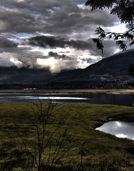 HDR photo of Revelstoke and the valley