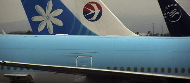 Assorted tailfin decorations in LAX